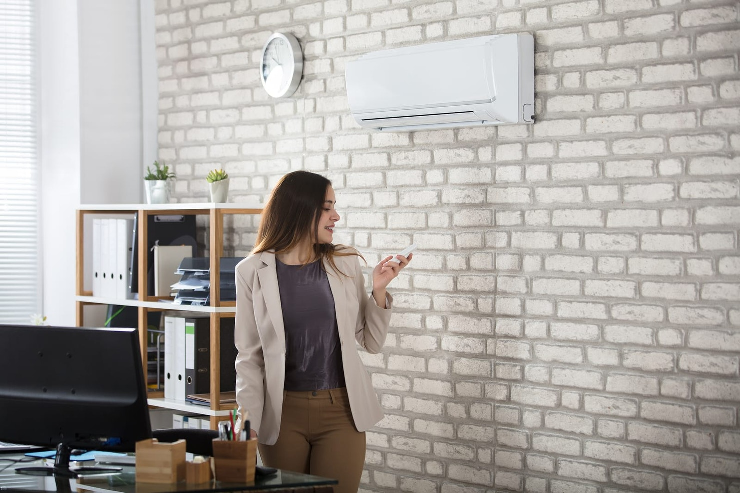 Energy cost saving in the workplace