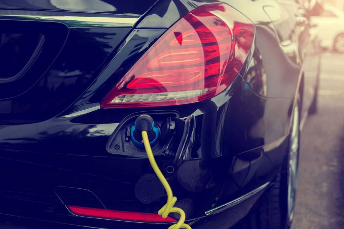 Electric vehicles – six advantages of home charging